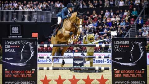Simon Delestre gewinnt das Championat von Basel. Foto: Katja Stuppia/LONGINES CSI BASEL